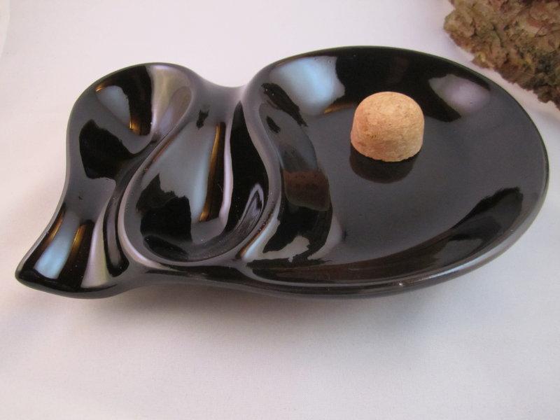 pfeifenaschenbecher schwarz ablage f r 2 pfeifen the. Black Bedroom Furniture Sets. Home Design Ideas